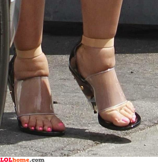 Squeezing heels