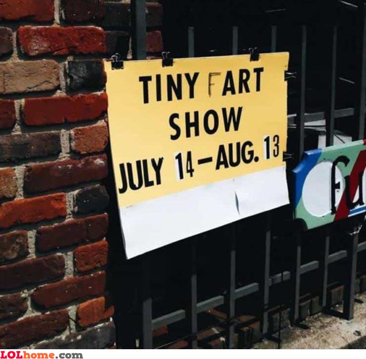 Tiny fart show