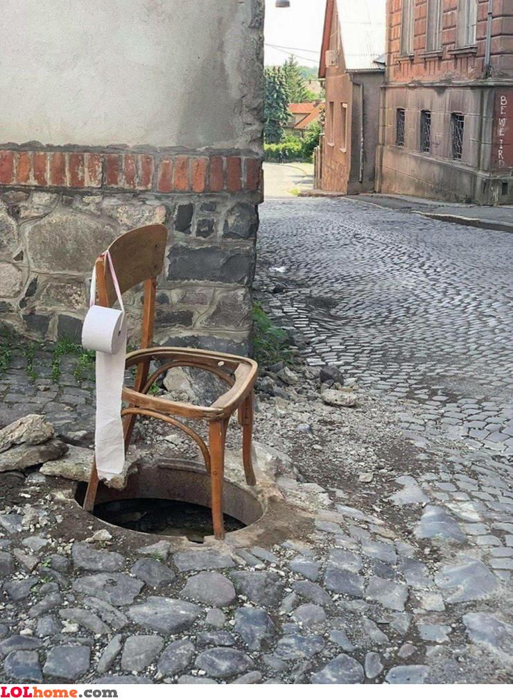 Minimal toilet