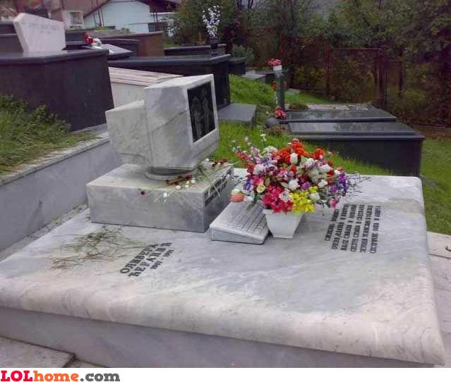 Geek tombstone