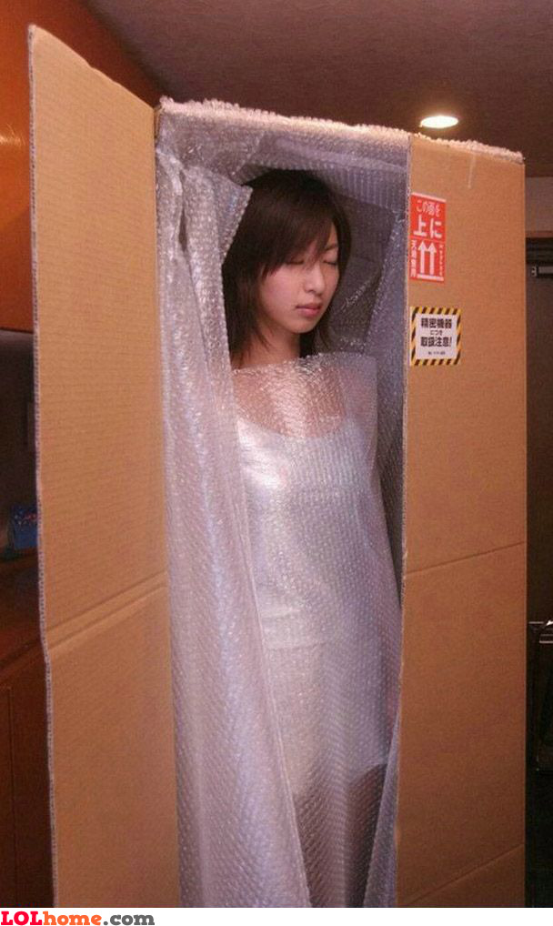 How to wrap a girl