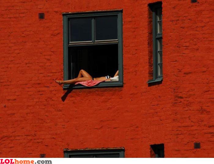 Window tan
