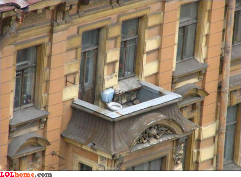 Balcony toilet