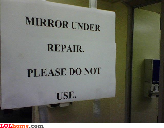 Do not use this damaged mirror