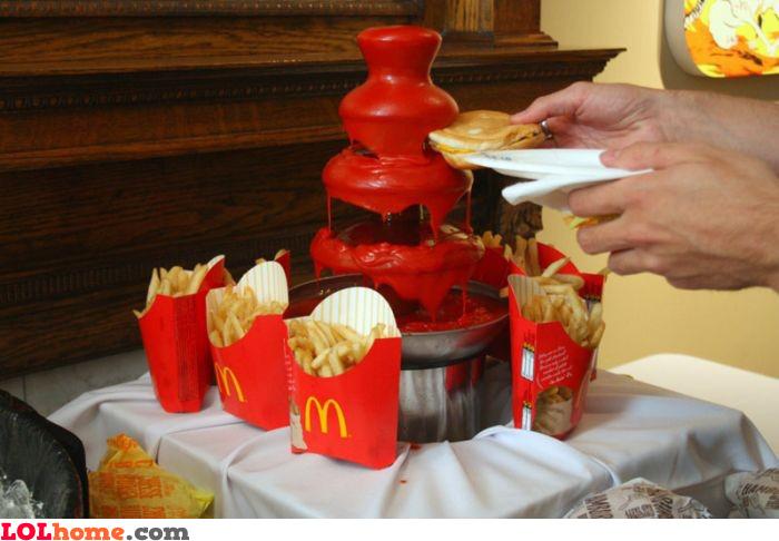 Ketchup fountain