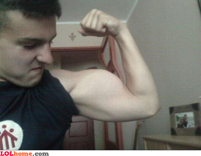 http://www.lolhome.com/img_big/photoshopped-muscle.jpg