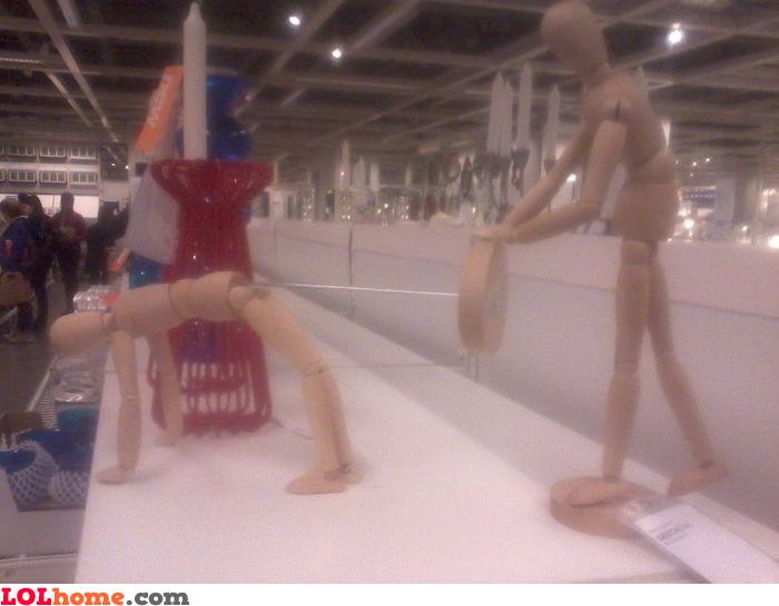Kinky mannequins